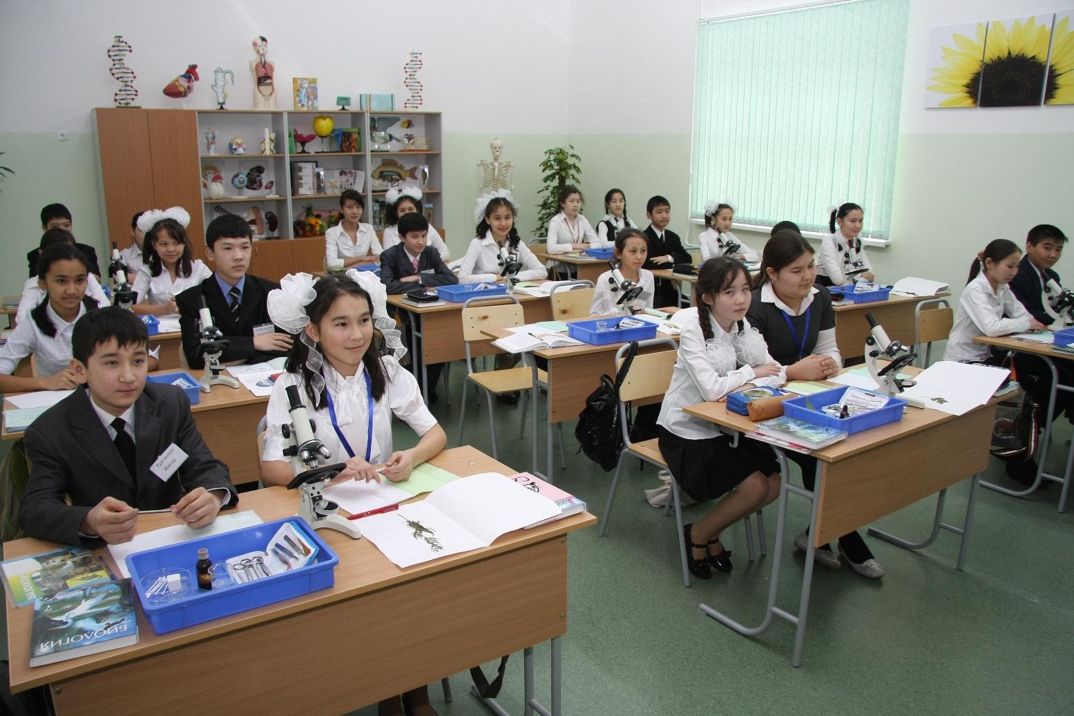 Алматыда қазақ тілінде білім алатын оқушылардың саны 12 есеге артқан.