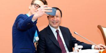 Астана әкімі Ә. Жақсыбеков дарынды балалармен кездесті