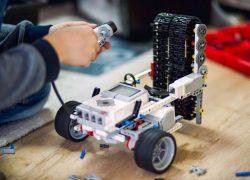 Елорда оқушылары арасында робототехникадан жарыс басталды