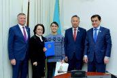 Астанадағы батыр оқушы Парламент Сенатына келді