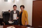 Күләш Шәмшидинова үш баланы өрттен құтқарған студентті марапаттады
