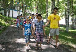 Балалардың жазғы лагерьлерге жолдамасы қанша тұрады